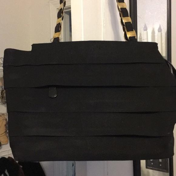 f31e85366fb8 Vintage Salvatore ferragamo black purse. M 5aa19966a6e3eadf54652284